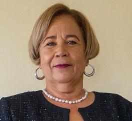 Margit de Freitas - Export Canvas Coach Curacao